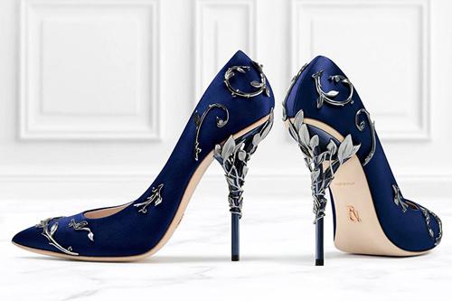 Синие туфли-лодочки с фигурным каблуком