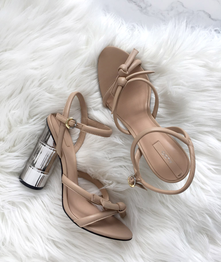 Бежевые невинные туфли от DIXIE