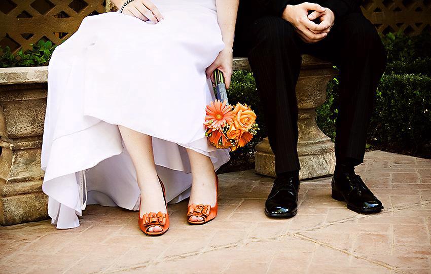 Оранжевые туфли невесты
