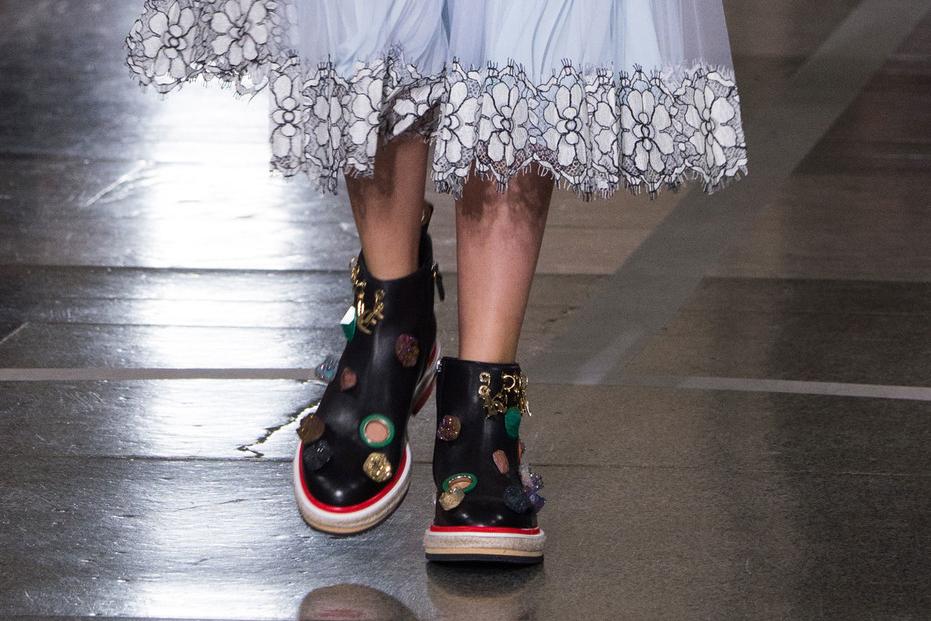 Christopher Kane туфли весна лето 2017 неделя моды в Лондоне
