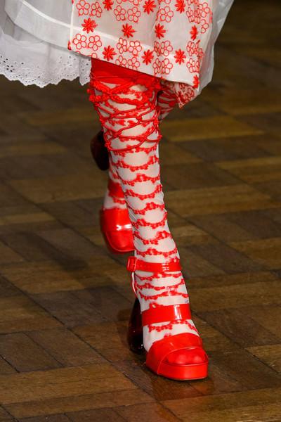 Simone Rocha красные туфли весна лето 2017