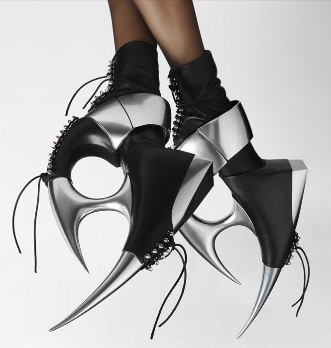 Странные туфли