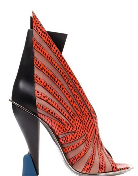 черно-красные необычные туфли