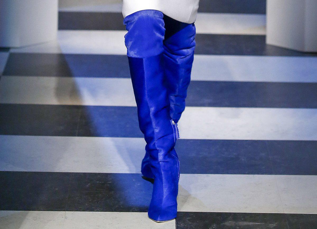 Синие сапоги от Oscar de la Renta