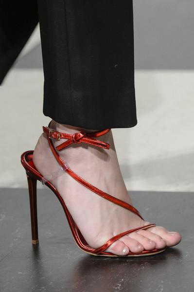 Красные женские босоножки от Oscar de la Renta