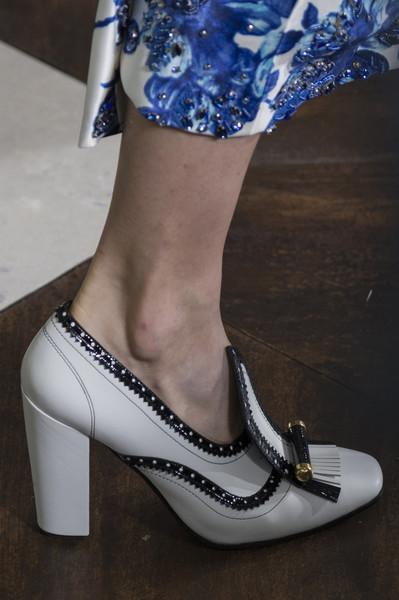 Белые туфли от Tory Burch