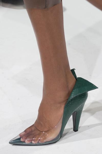Женские прозрачные туфли от Calvin Klein