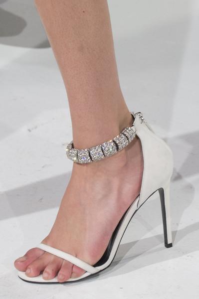 Белые босоножки от Calvin Klein