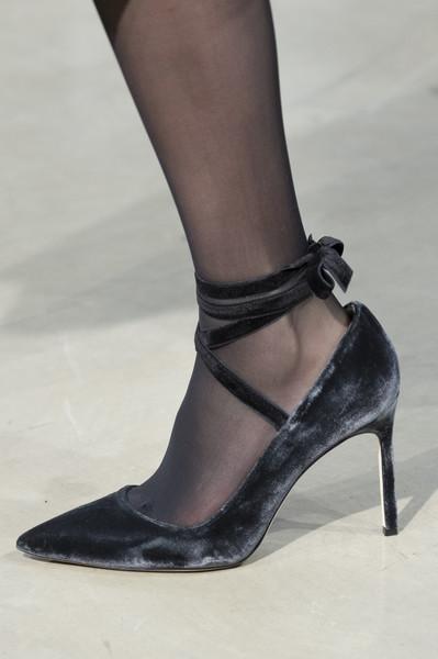 Черные бархатные туфли лодочки от Carolina Herrera