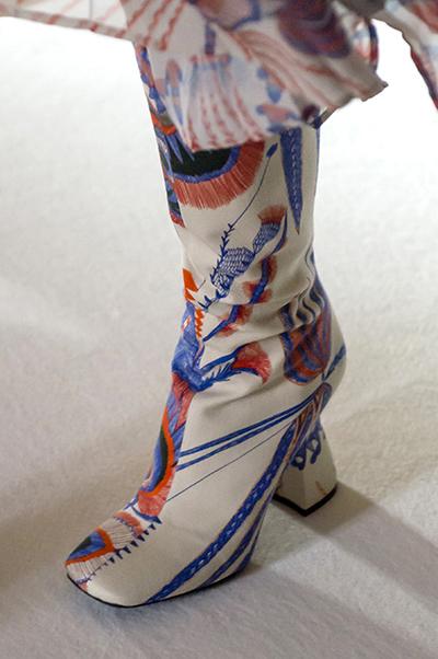 белые сапоги с рисунком от Dries Van Noten