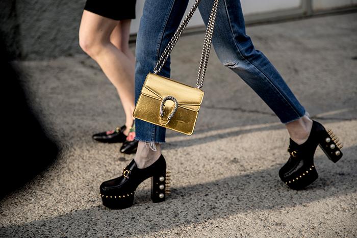 черные туфли. Неделя моды в Милане. Осень 2018