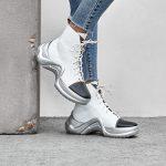 Как носить металлическую обувь этой зимой