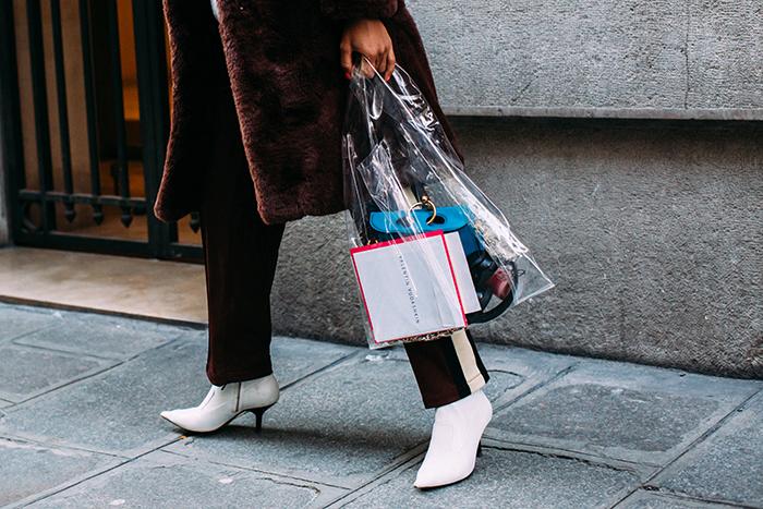 молочные ботинки на низкой шпильке