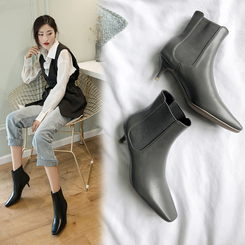 чёрные сапоги на невысоком каблуке Chiko Carrie